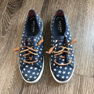 Sperry star/flag loafers